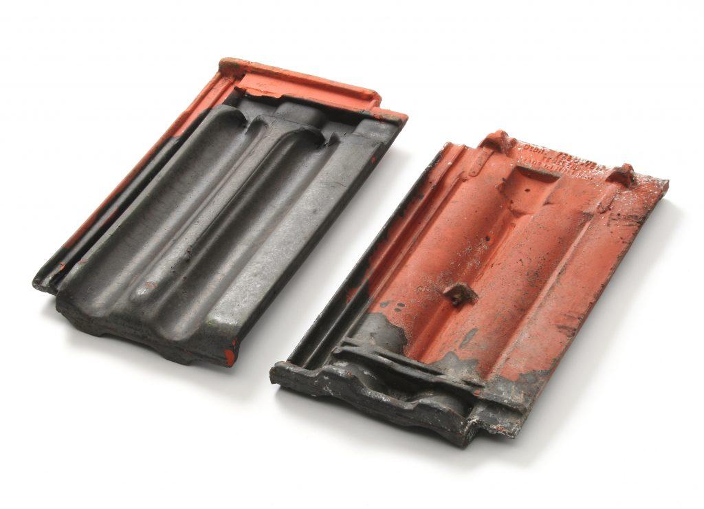 Gebruikte vlakke mulden dakpan mat-zwart verglaasd