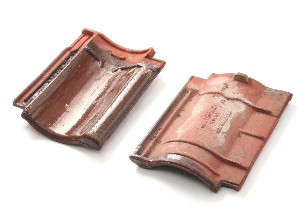 Verbeterde Holle (VH) Gebruikt bruin verglaasd dakpan